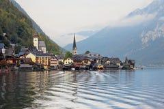 Hallstatt.  Obrazek wziąć na pokładzie przyjemności łodzi Zdjęcie Royalty Free