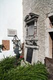 HALLSTATT, SALZKAMMERGUT/AUSTRIA - 14 ΣΕΠΤΕΜΒΡΊΟΥ: Καλά κρατημένο Gra Στοκ φωτογραφία με δικαίωμα ελεύθερης χρήσης