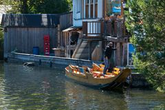 HALLSTATT, SALZKAMMERGUT/AUSTRIA - 14 ΣΕΠΤΕΜΒΡΊΟΥ: Παραδοσιακό Φ Στοκ εικόνες με δικαίωμα ελεύθερης χρήσης