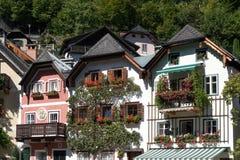 HALLSTATT, SALZKAMMERGUT/AUSTRIA - 14 DE SETEMBRO: Vermelho colorido Imagem de Stock