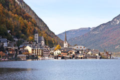 Hallstatt town nearby lake in Autumn Royalty Free Stock Images