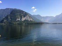 Hallstatter ser/Österrike - September 14 2016: sikt över sjön Arkivbilder