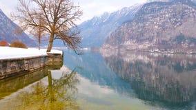 Hallstattersee sjö, Hallstatt, Österrike lager videofilmer