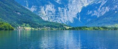 Hallstattersee sjöHallstatt Österrike pittoresk panorama Arkivbilder
