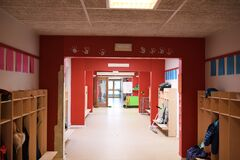 Free Hallway With Red Walls At School Or Kindergarten Royalty Free Stock Photo - 206831675