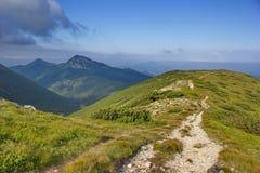 Halna ścieżka w Zachodnim Tatras, Sistani zdjęcie stock