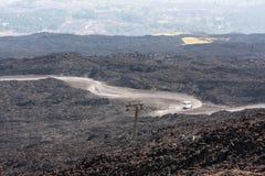Halna droga na Etna wulkanie Góry Etna krajobraz Sicily, Ita Fotografia Stock