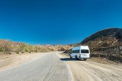 Halna droga, Norh Afryka blisko Toubkal, atlant góry Zdjęcia Royalty Free