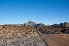 Halna droga w Teide parku narodowym na sposobie Telerifico Ca Obraz Royalty Free