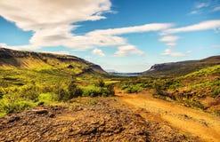Halna Iceland droga i malowniczy naturalny krajobraz Obraz Royalty Free
