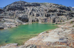 Halna jezioro woda Zdjęcia Stock
