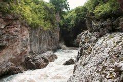 Halna rzeka w wąwozie Zdjęcie Royalty Free