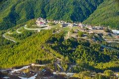 Halna wioska olimpijska, Rosa szczytu ośrodek narciarski, Sochi, Rosja zdjęcia royalty free