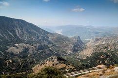 Halne drogi i piękny krajobraz Crete wyspa, Grecja obrazy stock