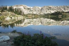 Halni odbicia przy Libby jeziorem zdjęcia royalty free