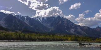 Halny Altai góry jezioro Obrazy Stock