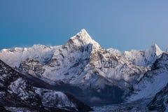 Halny Ama Dablam szczyt na Everest bazie Zdjęcie Stock