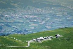 Halny budy ot zielony wzgórze przed Rhineland doliną Zdjęcia Royalty Free
