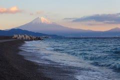 Halny Fuji i morze Zdjęcie Royalty Free