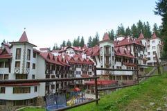 Halny hotel w kurorcie Zdjęcie Stock