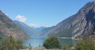 Halny jeziorny spektakularny widok Alaska Zdjęcia Royalty Free