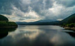 Halny jeziorny widok Obraz Royalty Free