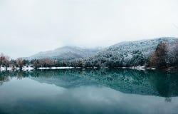 Halny jezioro Crimea zdjęcie royalty free
