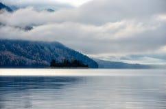 Halny jezioro, Rosja, Syberia, Buryatiya, Froliha Obraz Royalty Free