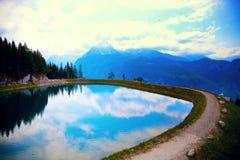 Halny jezioro w Alps Fotografia Royalty Free
