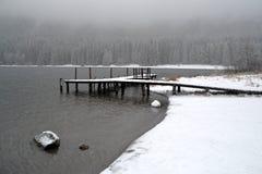 Halny jezioro w mgle Obraz Stock