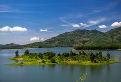 Halny jezioro w Wietnam Fotografia Stock