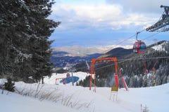Halny ośrodek narciarski, Rumunia Zdjęcie Royalty Free