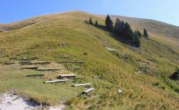Halny wycieczkuje krajobraz - Golica, Slovenia Obraz Royalty Free