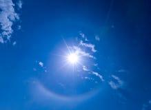 Halo alrededor de Sun Fotos de archivo