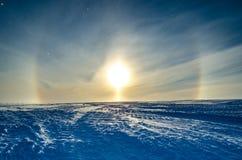Halo de Sun au-dessus d'étagère de glace l'antarctique Image libre de droits