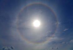 Halo herum der Sonne Stockfotografie