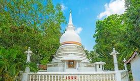 Halpanwila寺庙Stupa  免版税库存图片