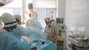 Hals-, Nasen-, Ohrenheilkunde Operation in der Klinik des Hals-, Nasen-, Ohrenheilkunde stock video footage