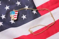 Halsband med statyn av frihet Royaltyfri Fotografi