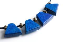 Halsband met blauwe gemmen royalty-vrije stock afbeelding