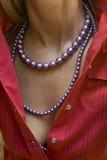 Halsband op vrouw stock fotografie