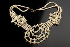 Halsband van kunstmatige parels Stock Foto