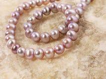Halsband van pareljuwelen stock foto