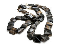Halskette gebildet vom Achat Stockfotografie