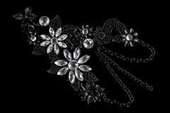 Halskette gemacht vom schwarzen Metall Stockbilder