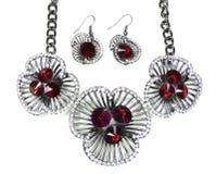 Halskette mit hellen Kristallen Schmuck und Ohrringe Lizenzfreie Stockbilder