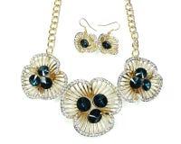 Halskette mit hellen Kristallen Schmuck und Ohrringe Stockbilder