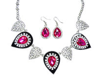 Halskette mit hellen Kristallen Schmuck und Ohrringe Stockbild