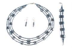 Halskette, Ohrring, Armband lizenzfreie stockbilder