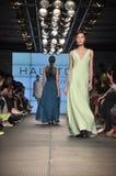 Halston遗产时装表演 免版税图库摄影